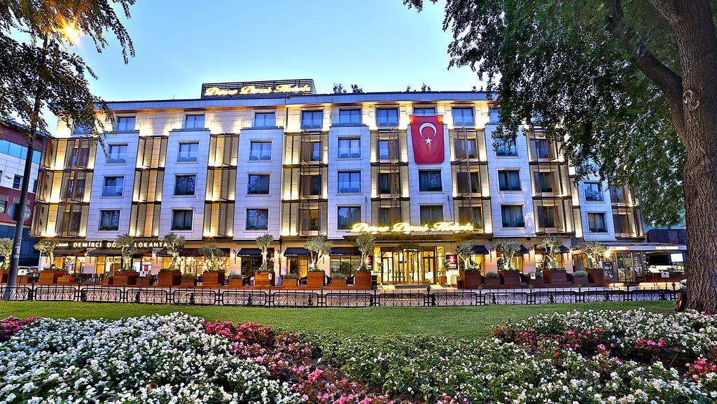 A szálloda Fatih városrészben található, a Kék mecsettől 3 km-re, a Nagy bazártól 2,5 km-re fekszik. A legközelebbi metróállomás 5 perces sétával elérhető.