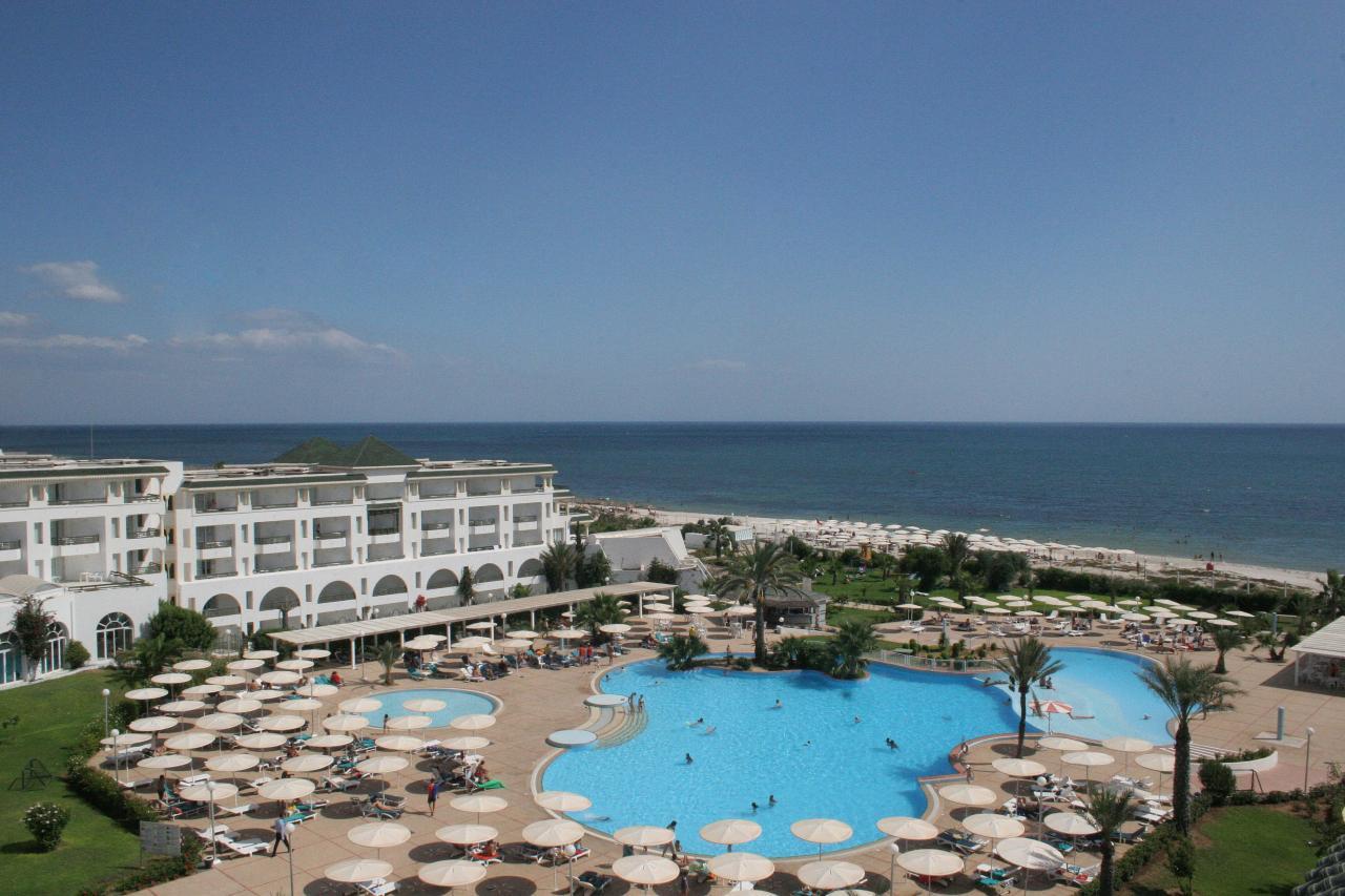 https://rw-taurusreisen.bluevendo.com/images/bv/hotel/5107/b3fa26f56bf7e171459e21fe12ca681d_EM_Palm_Marina_General_View___1_.jpg