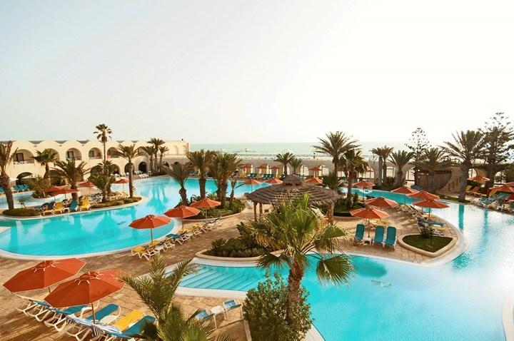 https://rw-taurusreisen.bluevendo.com/images/bv/hotel/5224/c6b9b23bb41b4ea84cc8dfc995c94a57_02-sentido-djerba-beach_djerba.jpg