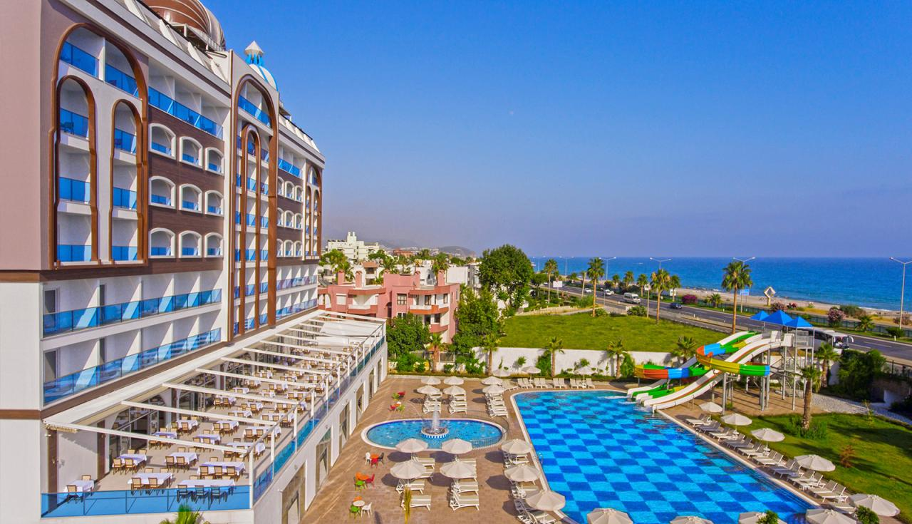 Azur Resort SPA Hotel