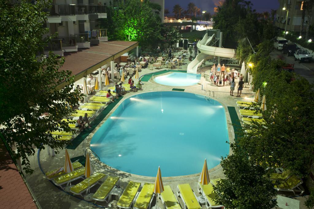 Monte Carlo Hotel****