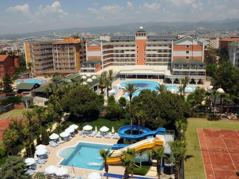 Insula Resort  Spa