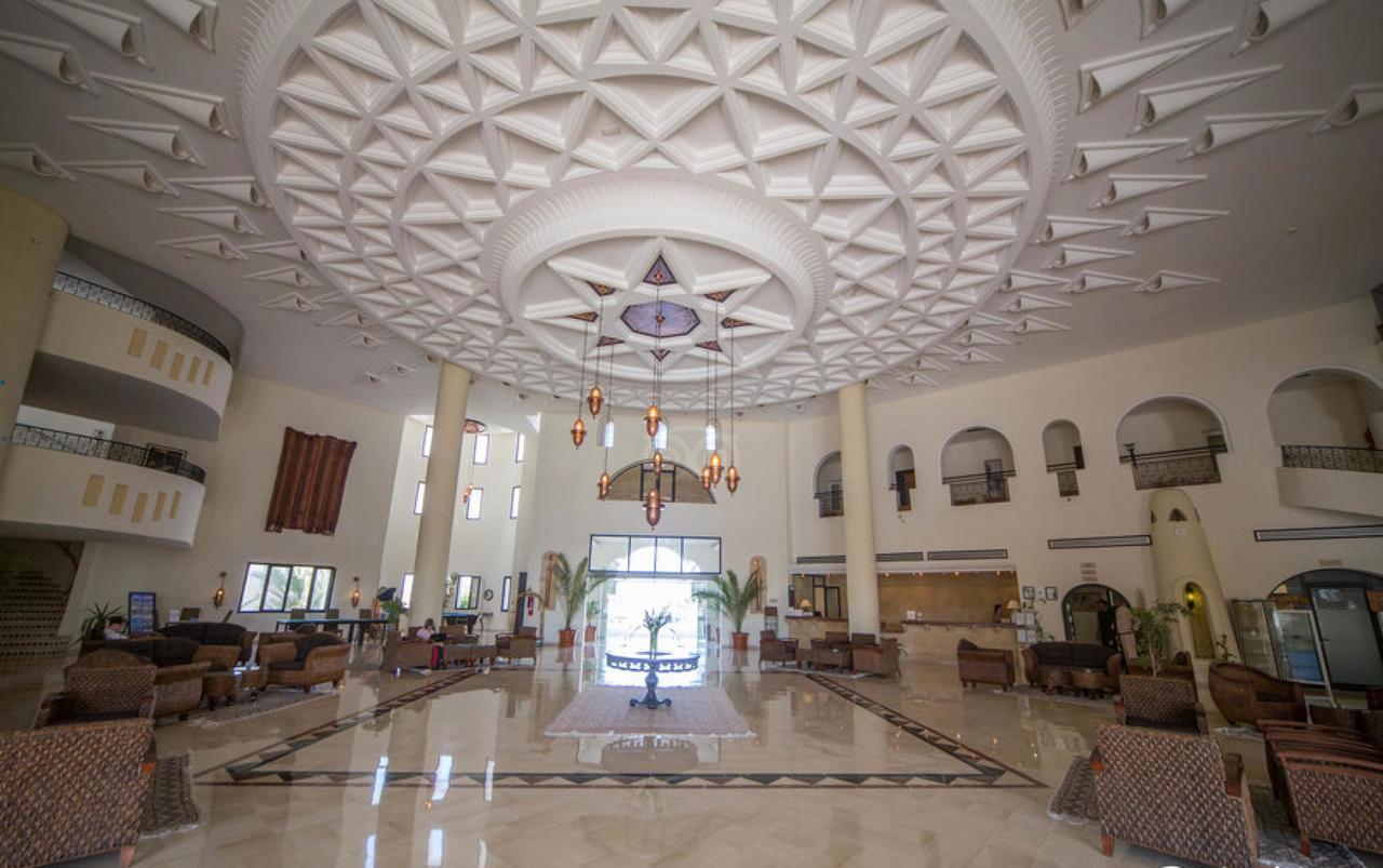 Green Palm Hotel****