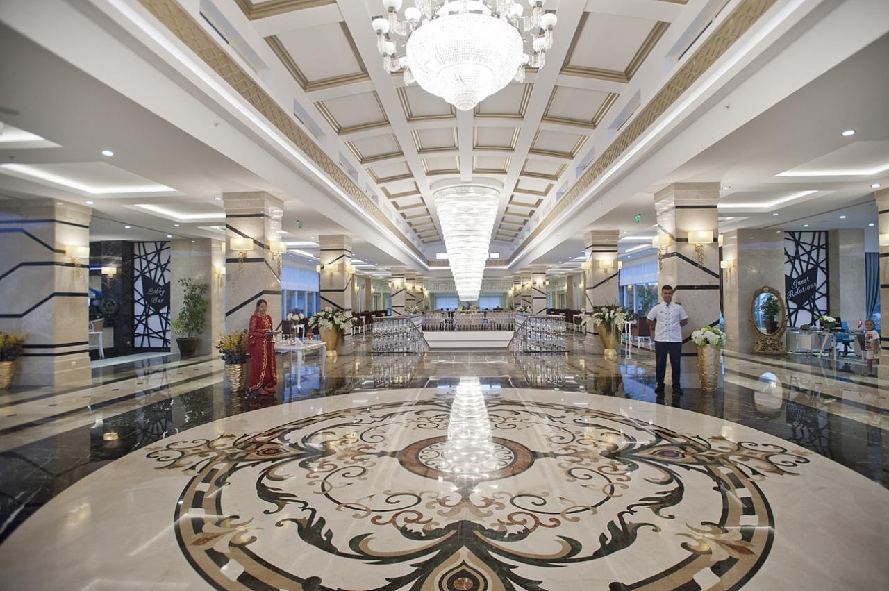 Crystal Waterworld Resort  Spa*****